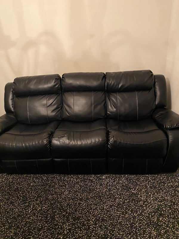 Sofa leather 69491160-0d2f-4ad6-b983-2be113053e32