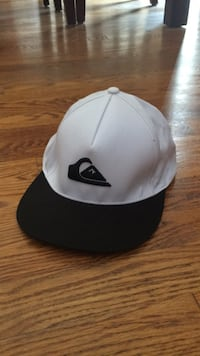White and black new Billabong hat Toronto, M4A 2T4