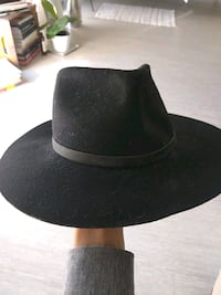 Wool hat size small