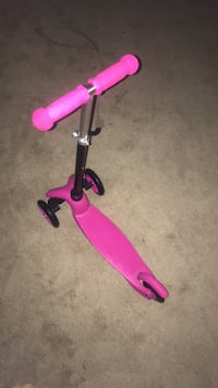 pink and black kick scooter Montgomery Village, 20879