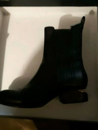 Alexander wang ladys boots brand new in box  New Westminster, V3M