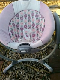 baby's white and gray Graco swing chair Shepherdsville, 40165