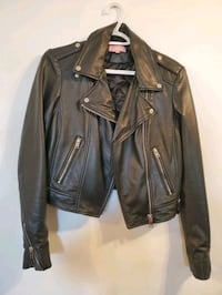 Womens  Lamarque genuine leather jacket size small Montréal, H1R