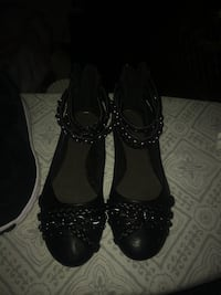 pair of black leather heeled shoes Arlington, 22204