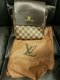 leather Louis Vuitton bag Burnaby, V5B 4T5