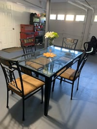 Glass table with 4 chairs Lakewood Township, 08701