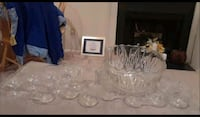 Beautiful glass punch bowl with goblets Centreville, 20121