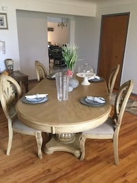 Dining table ,China cabinet Warren, 48088