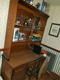 brown wooden desk with hutch New Windsor, 21776