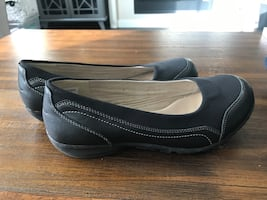 Sketchers slip on shoes size 9