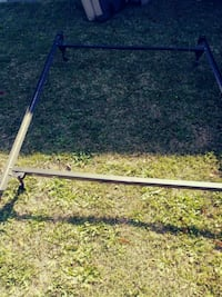 Fs or Queen bed frame with wheels Augusta, 27018