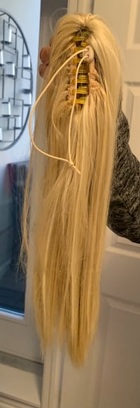 Hair ponytail extension. Synthetic hair  Mississauga, L4Z 4K1