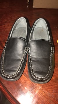 pair of black leather loafers Oxon Hill, 20745