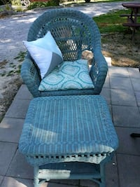 WICKER CHAIR AND OTTOMAN  Brandenburg, 40108
