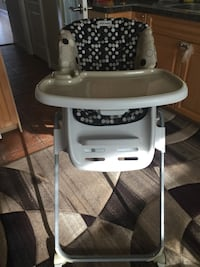 baby's white and gray high chair Burnaby, V5G 1C9