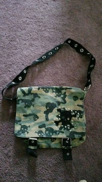 Cammo skull bag