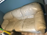 Beige leather 3-seat sofa Toronto, M9C 1Z1