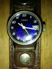Working windup timex  with leather cuff band 3769 km