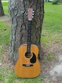 brown and black acoustic guitar Chesapeake, 23321