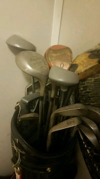 Golf clubs and carry bag  Shepherdsville, 40165