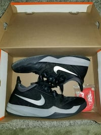 Nike Zoom Crusader For Sale! Size 9.5