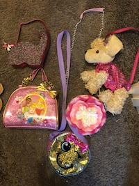Lots of little girls purse Catonsville, 21228
