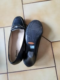 women's pair of black leather shoes Brampton, L6P 0G2