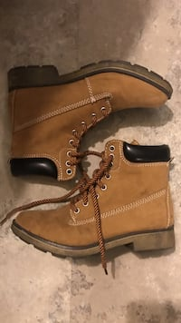pair of brown-and-black Timberland workboots Enid, 73703