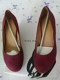 pair of red suede pointed-toe heels Montreal-West, H4X 1C6