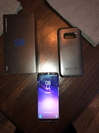 black Samsung Galaxy S8 + with box