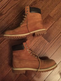 Pair of brown timberland work boots Hamilton, L0R 1C0