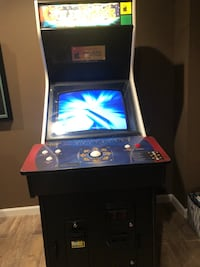 Golden tee EXcellent condition. You'll need at least 4 people to move it. Leesburg