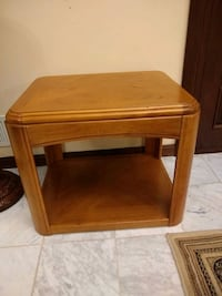 Solid wood coffee table excellent condition Germantown, 20874