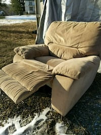 brown fabric comfy recliner Bluemont, 20135