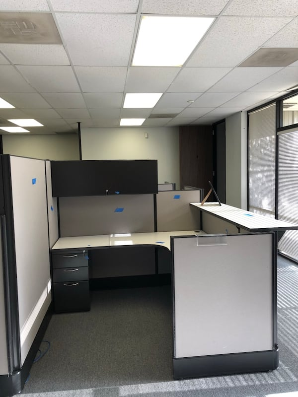 Office cubicles and cubicle parts 3
