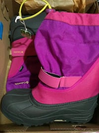 New Columbia snow boots Youth 5/women's size 7 Markham, L6C