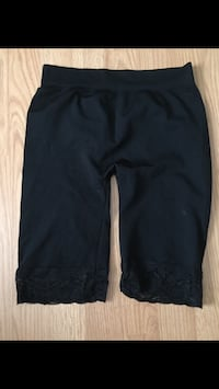 Black short tights with lace bottoms size small Vernon, V1T