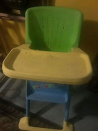white and green plastic high chair Lanham, 20706