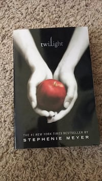 Twilight by Stephenie Meyer book