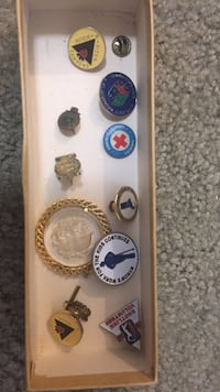 Lot of assorted vintage Pins & Buttons Alexandria, 22306