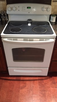 Black and white induction range oven Burke, 22015