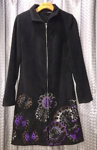 Black with purple floral print zip-up long-sleeved coat Little River, 29566