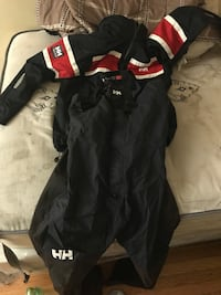 Helly Henson Coat and Skii Pants (Size XL) 48 km