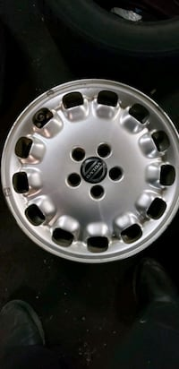 Volvo mags 16 inch  Montreal