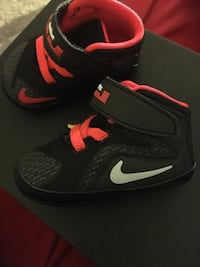 Infant lebrons size 2c District Heights, 20747