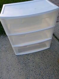 white plastic 3-drawer chest Odenton, 21113