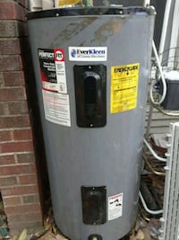 Perfect Fit commercial elec hot water heater-40gal 907 mi