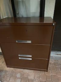 Metal cabinet Burnaby, V5H 2T9