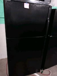 GE Black top and bottom fridge in excellent condition Baltimore, 21223