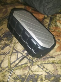 wireless Bluetooth speaker $10 West Indy you pick up works great can t